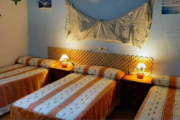 Habitación Adi - Tres camas