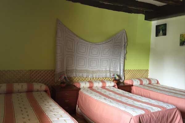 Habitación IRATI - Tres camas