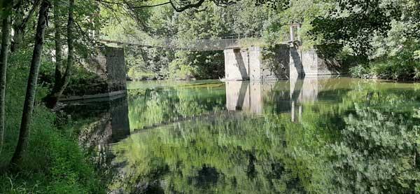 Puente colgante Aribe